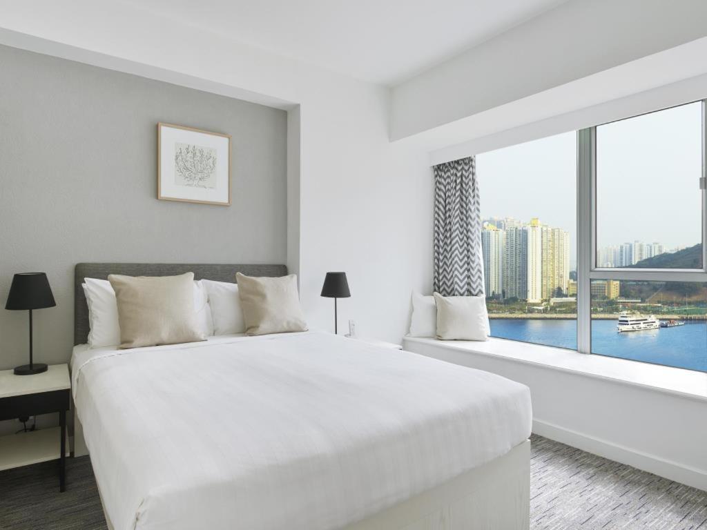 Bedroom Suite with Seaview
