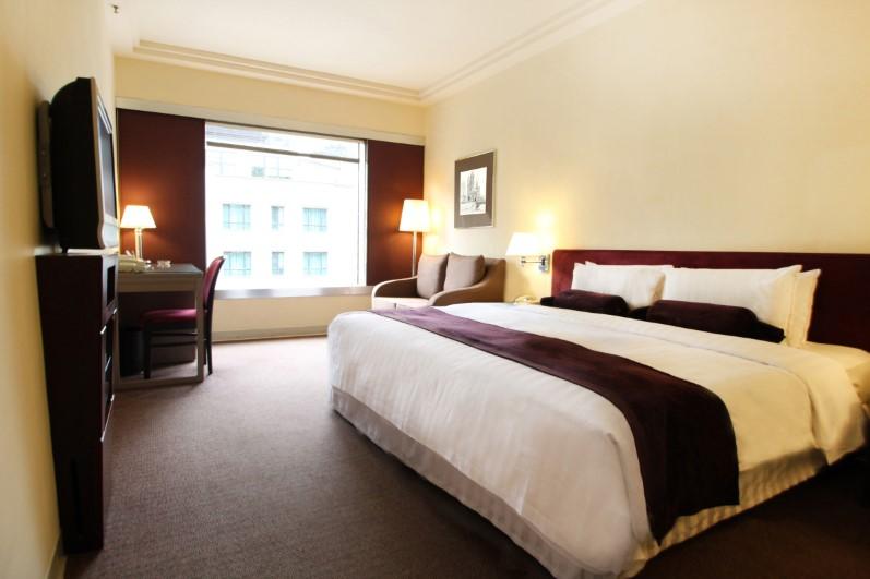 高級特大雙人床房