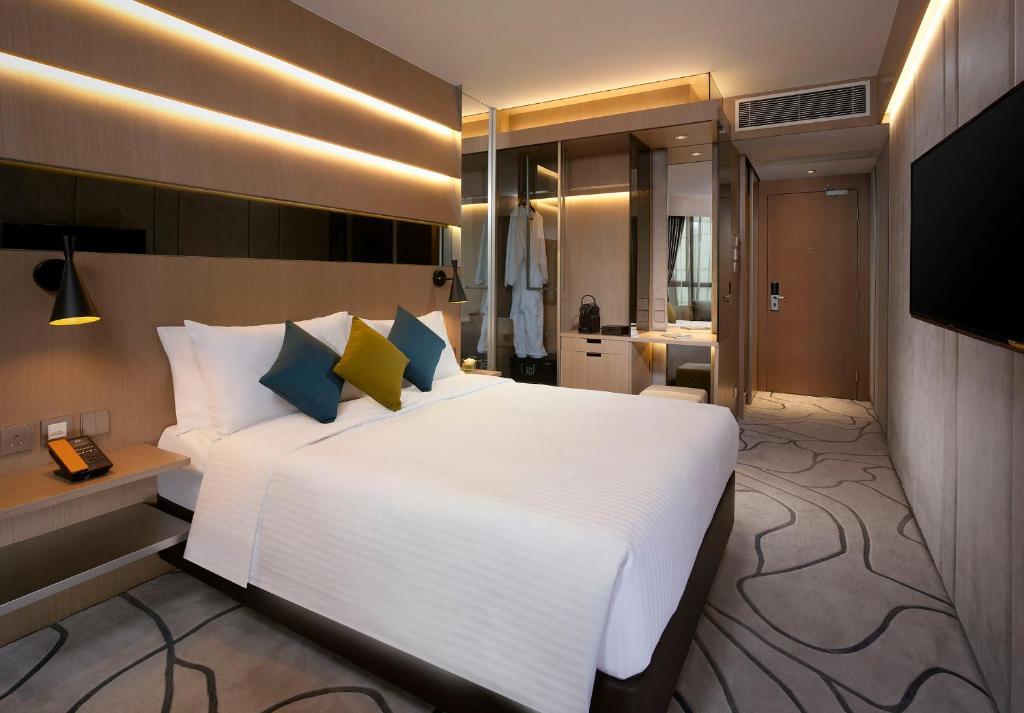 The Optimum Floor Premier Plus Room + complimentary breakfast for 2 persons